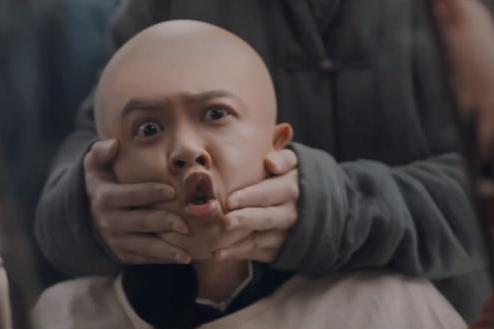 29岁小生被尹正剃成光头!徐峥大赞他是真偶像,演技几乎0差评