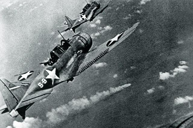 美军舰队以少胜多,一举击沉多艘日军航母,战局从此走向光明