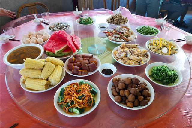 一家人去奉化度周末,10个人吃1000元的农家乐,有些什么菜?