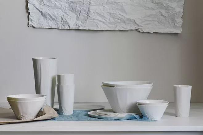 """器物:以""""纸""""为主题的陶瓷餐具"""