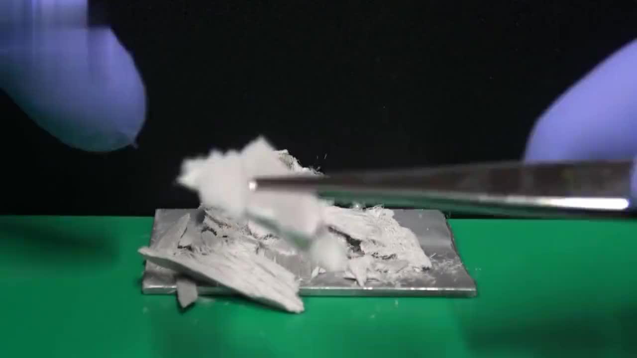 在铝板上滴一滴水银,还有这样的反应?这个实验让我脑洞大开