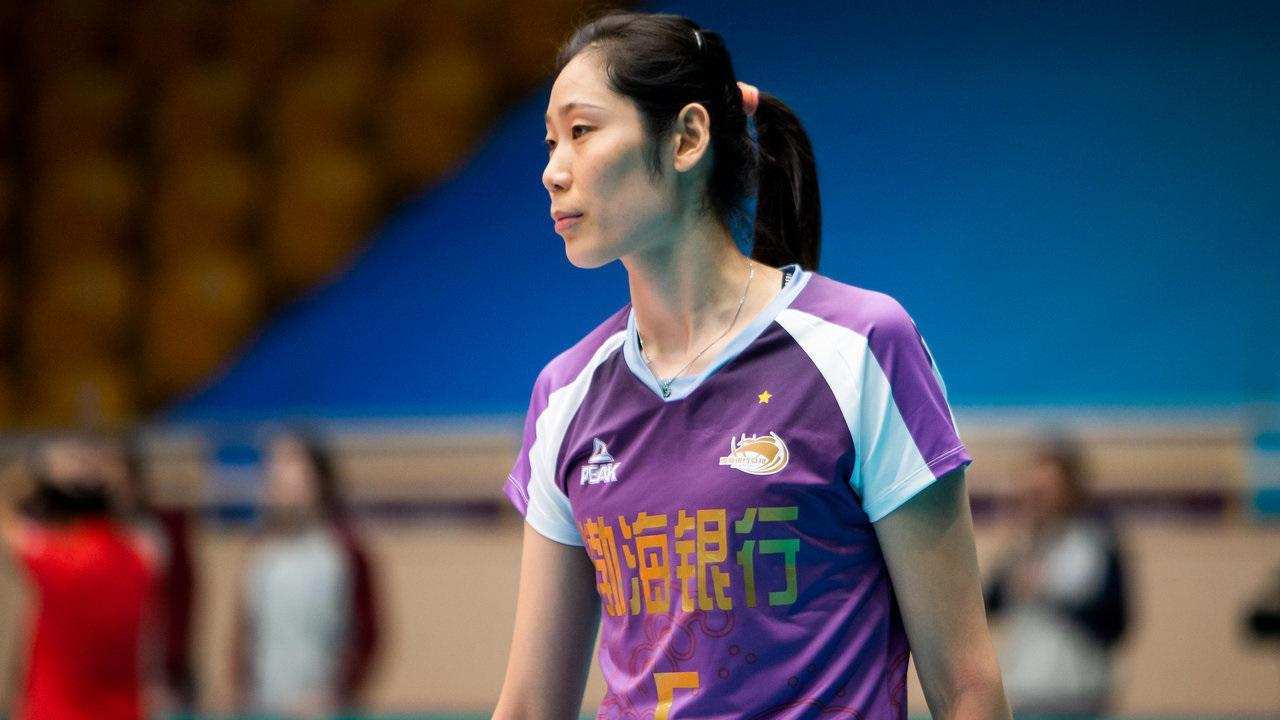 朱婷!续约天津渤海银行女排,再次身披紫色的5号战袍!