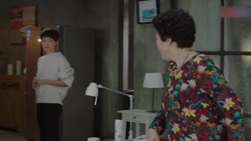 陈俊生送平儿回子君家,不料在家撞见前丈母娘,当场吓得头都大了