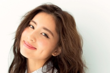 日本女歌手涉嫌猥亵同性,已结婚育有一子!亲弟曾与有夫之妇交往
