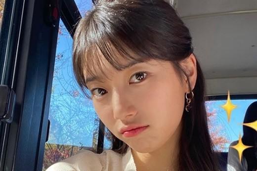 韩国女艺人秀智SNS发照秀出众美貌