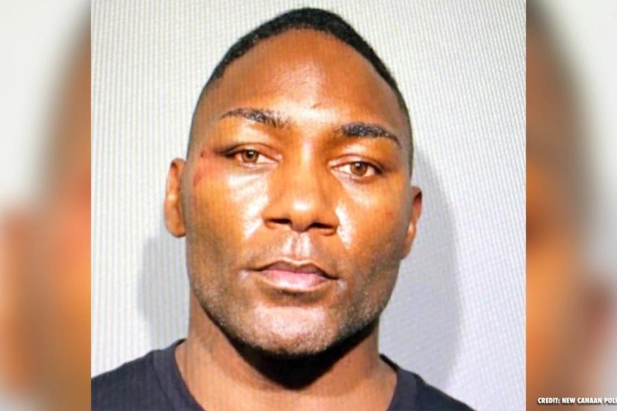 安东尼·约翰逊因盗用他人身份非法使用信用卡被捕