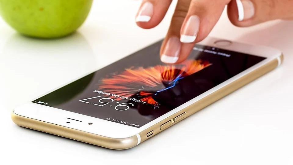 爱回收赴美上市?一年GMV196亿,回收二手手机为啥那么赚钱?