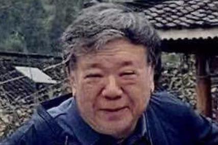 60岁马书良近照曝光,满脸皱纹头发变白苍老像80,至今无妻无子