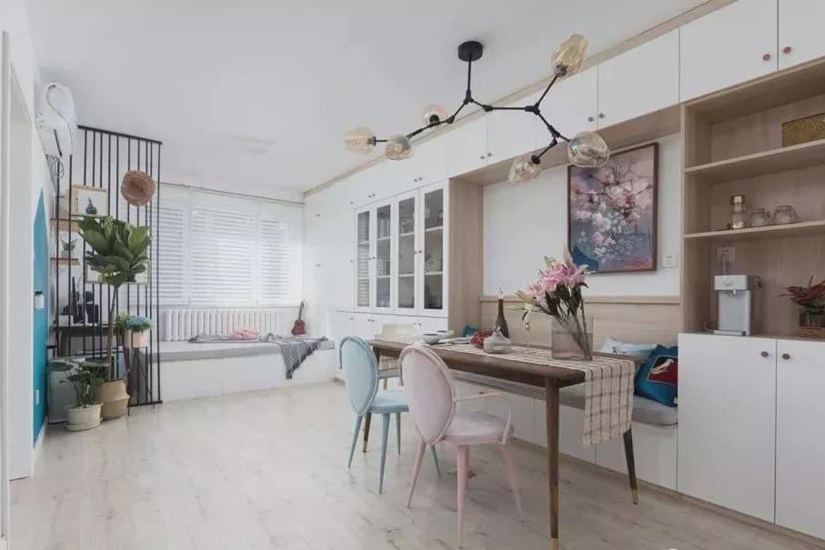 69平的现代风小户型,不拘一格的客餐厅,让收纳空间更多