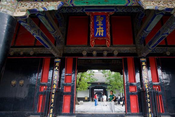 中国最有排场的新生儿:军队守卫产房,国家鸣礼炮13响庆祝他诞生