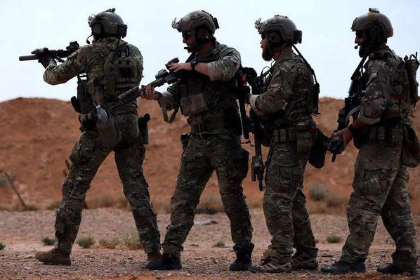 """丑陋行径!30辆卡车满载""""战利品""""驶向美军基地,专家:像小偷"""