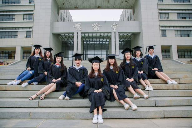 """这个985大学""""退步""""明显,高分考生不愿报,每年还有本科生退学"""