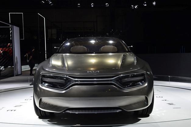 起亚全新纯电SUV造型,相当的轿跑,如果量产你会买吗?