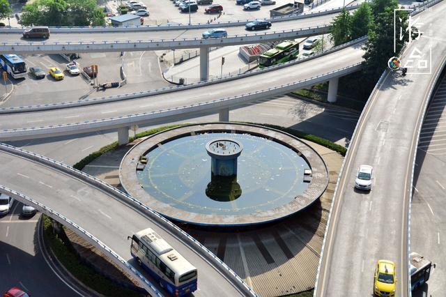 """重庆菜园坝的九龙门:立交桥上的废弃喷泉,山城第一代""""燃气灶"""""""
