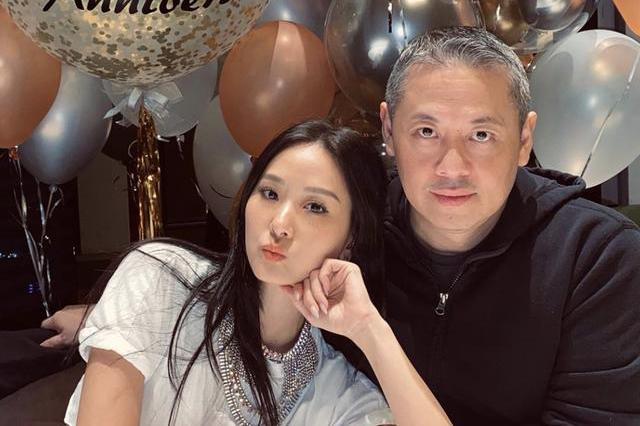 42岁名媛孙芸芸嫁入豪门21年自赚零花钱,名媛聚会带刷卡机卖珠宝