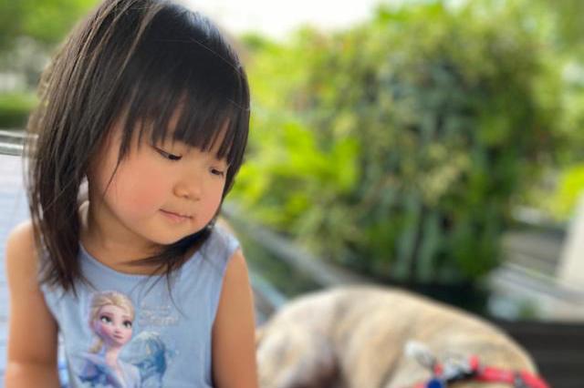 江宏杰晒女儿近照:越长大越像妈妈福原爱,甜美可爱萌出天际