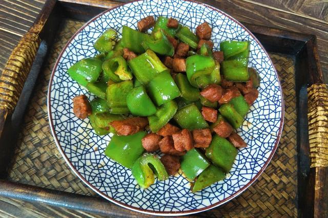 立秋后,多吃1道菜炒肉,热量低不长肉,胖人可以多吃点