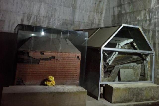 考古学家修缮清朝后妃墓,发现一间特殊墓室,意外撞破皇家秘闻