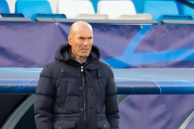 西媒:皇马两连败后齐达内遭高层质疑,两位教练成替代热门