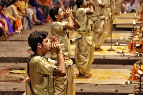 """印度最高种姓""""婆罗门"""",有哪些特权?专家:光这三项就不得了"""