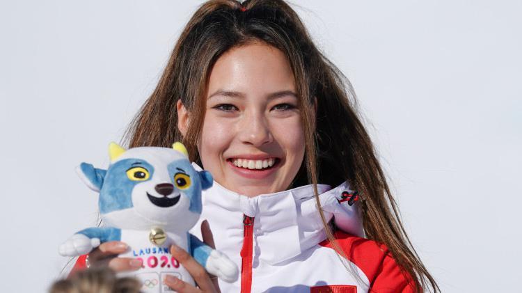 滑雪公主冬青奥会夺2金1铜!16岁谷爱凌已提前高中毕业!