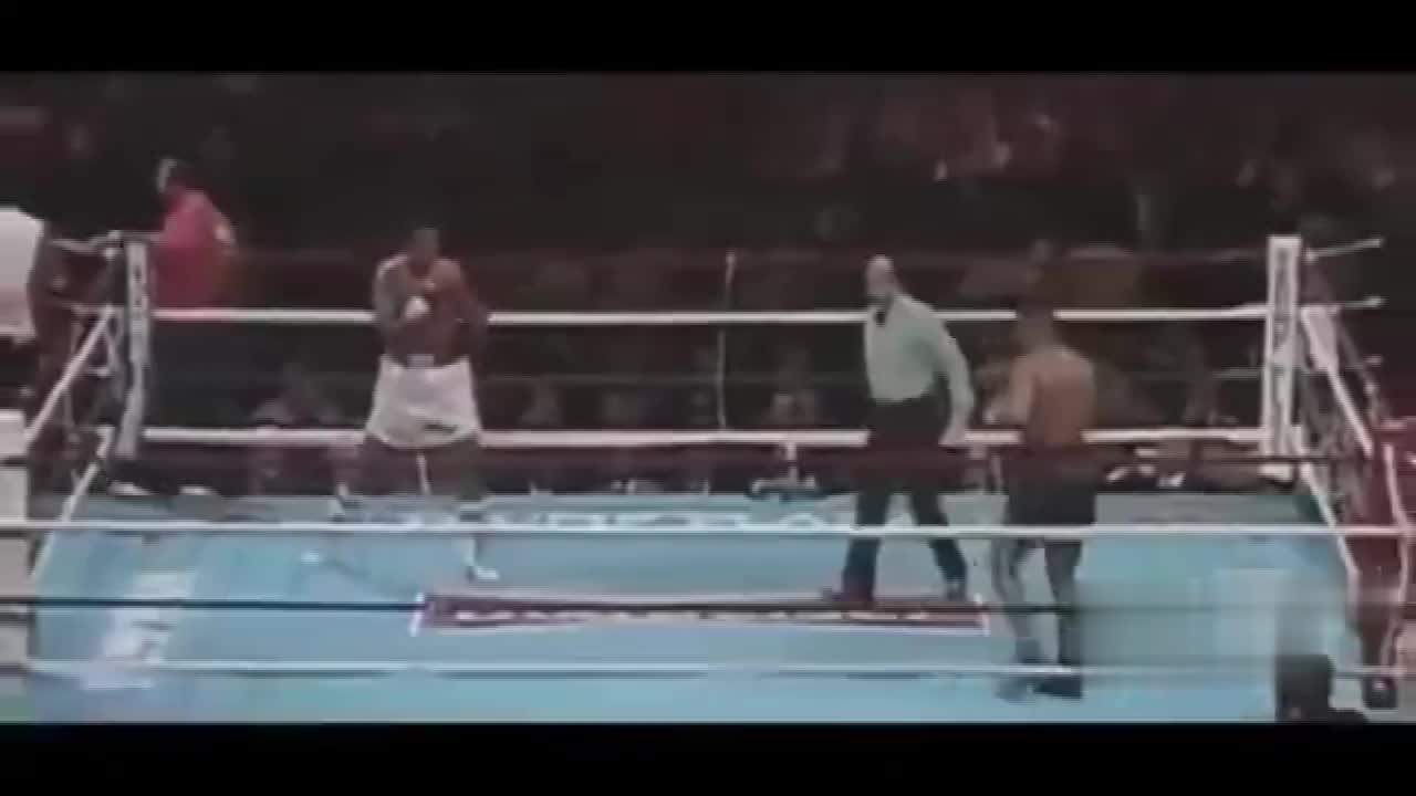 泰森帮阿里报仇霸气KO对手,阿里在台下为这份情谊感动