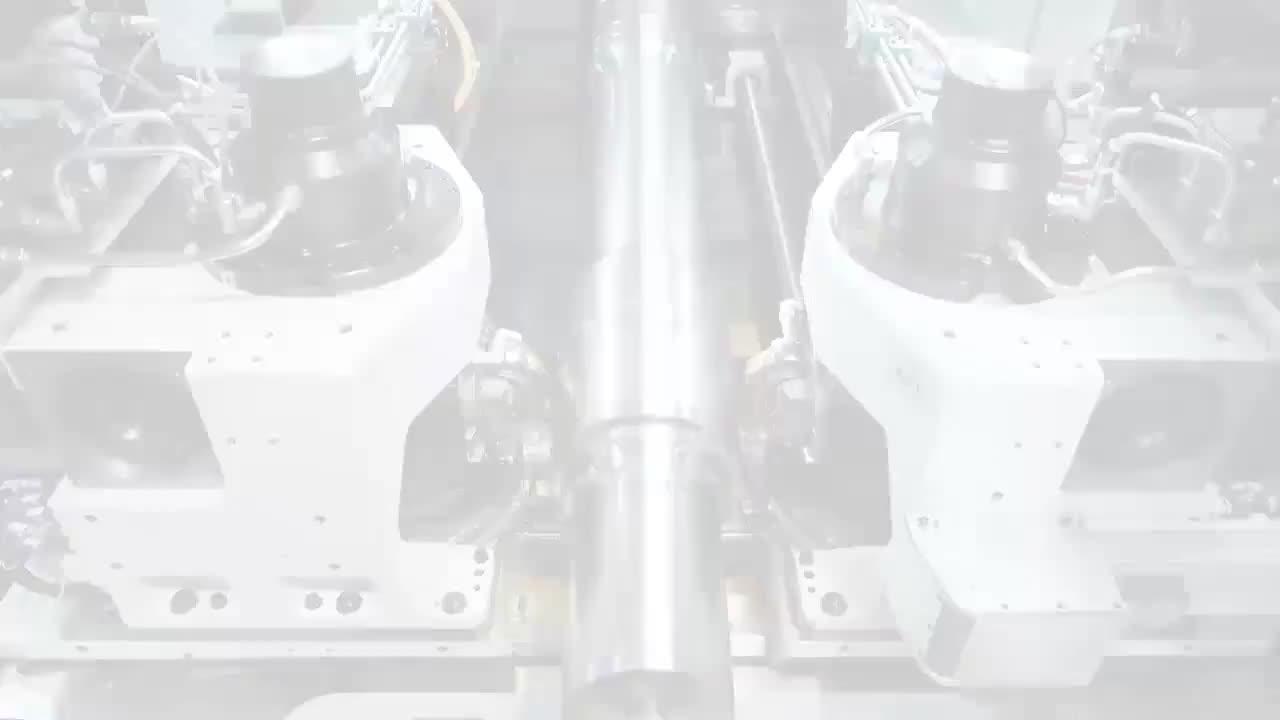 实拍火车车轴加工过程,精度要求很高,这时候就体现机床的重要性