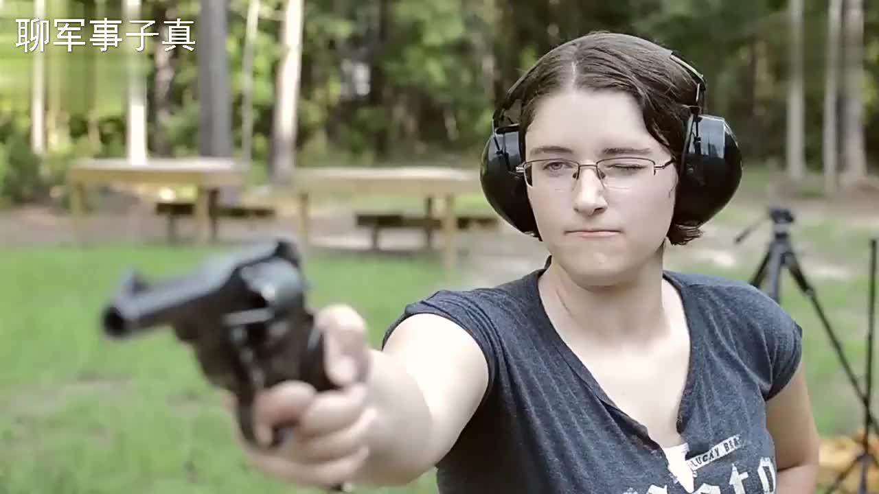 六响枪的终结者:韦伯利左轮手枪,被称为有史以来最好的军用左轮