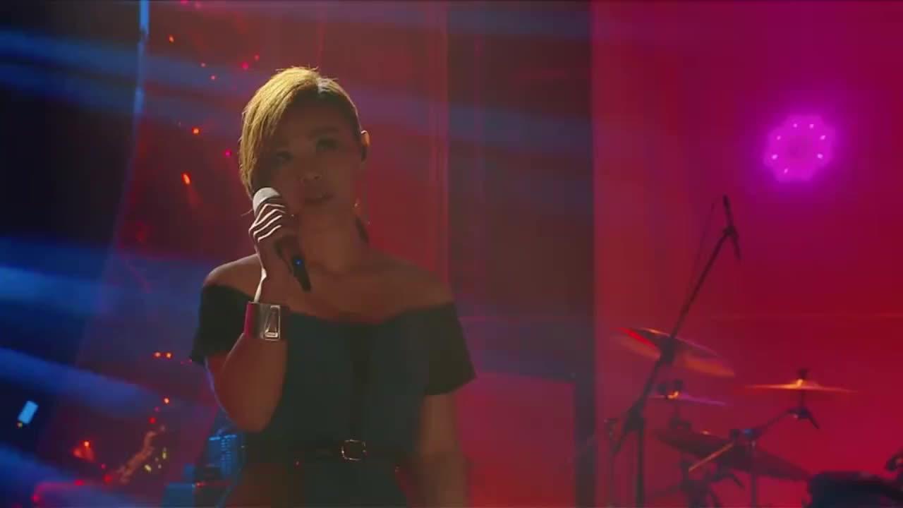 我是歌手:李佳薇的这首《勇敢》,引得台下观众情不自禁的跟着唱