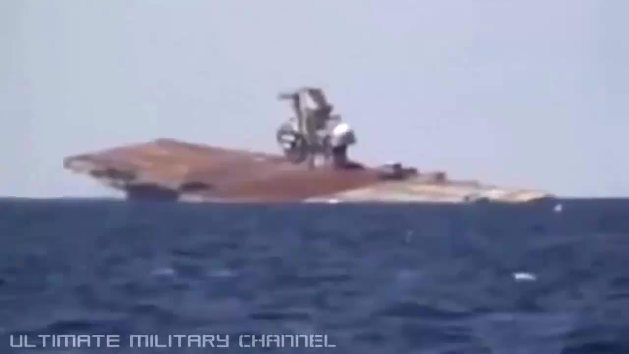 美国人将退役的航母沉眠海底