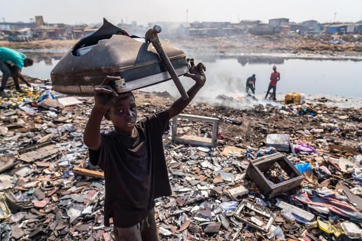这里的污染与切尔诺贝利齐名,许多孩子活不过25岁