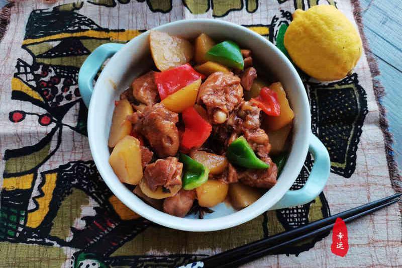 鸡肉遇到新鲜的柠檬,让水果的酸味和肉类的油腻得到最好的中和