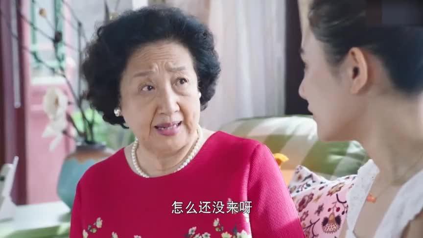 孙子以三分之差落榜,保姆家的女儿却是高考状元,奶奶顿时怒了
