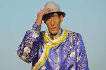 中国巨人鲍喜顺,不顾医嘱坚持生下儿子,如今儿子状况如何?