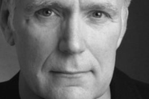 《007》男演员去世,生前与癌症斗争超十年