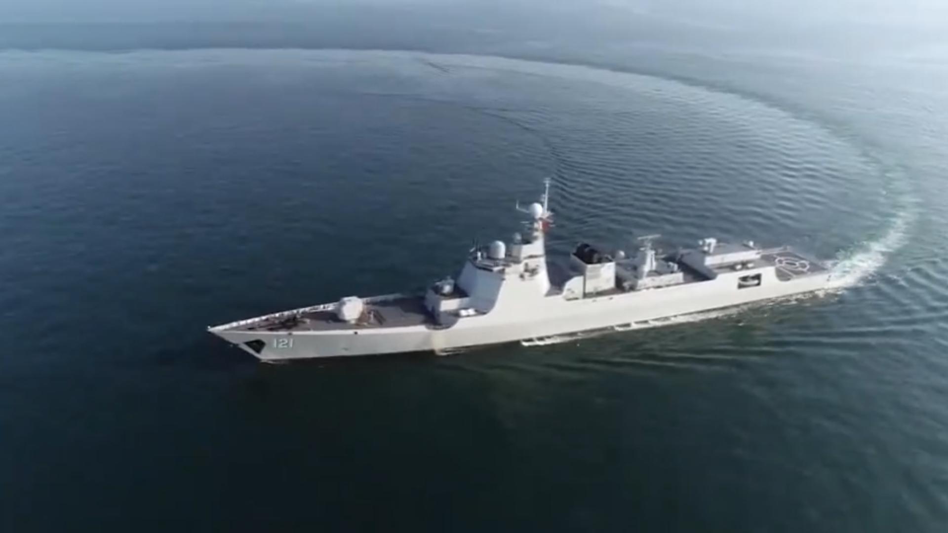 过节不忘战备!海军某驱逐舰支队海上实弹射击!