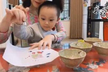 亲子互动攻略 | 滴管作画,让宝宝的艺术启蒙更有趣~