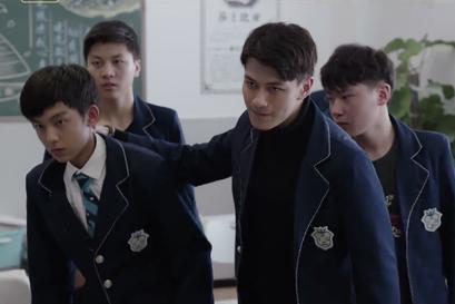 《黑色灯塔》徐天鹤欺负同学,葛力帆忍受委屈,乔诺为其抱打不平