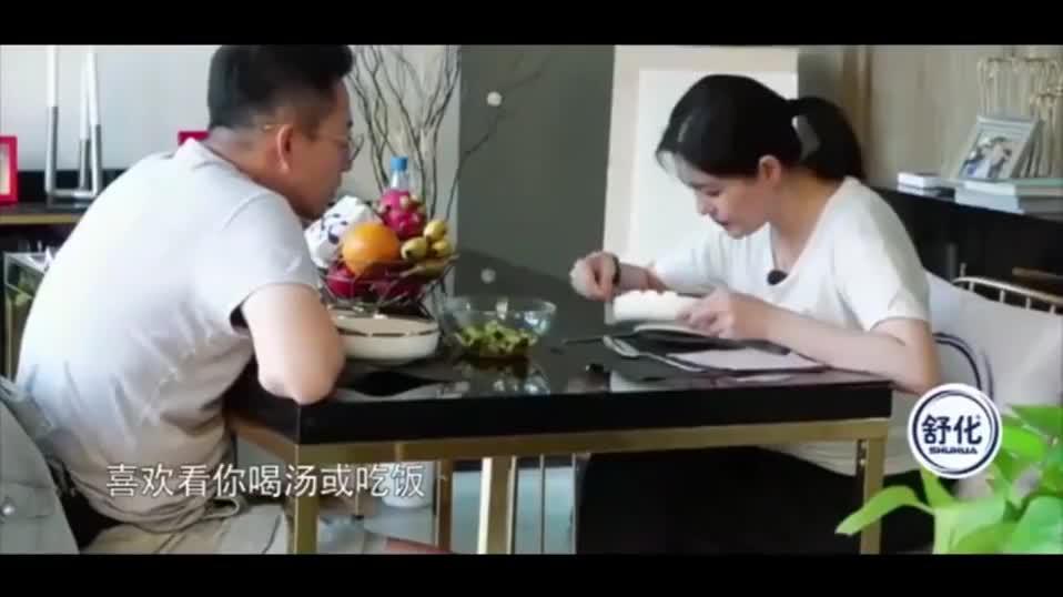 大S饭桌上一摔筷子,老公汪小菲就立马道歉,家庭地位一目了然