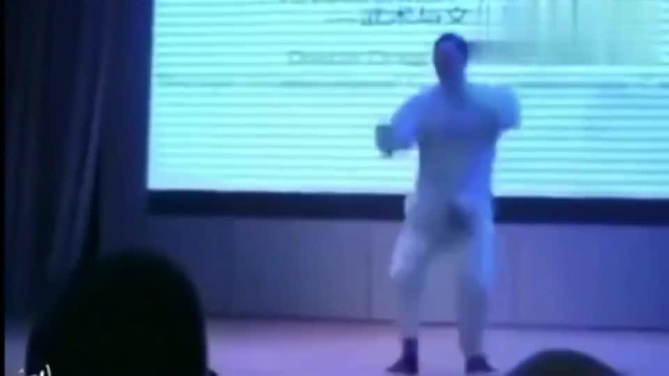 浑圆太极马保国最新武蹈,与MJ曲风神同步,被太极耽误的舞蹈家