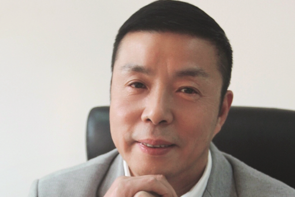 访上海龙达塑料科技股份有限公司董事长张银龙