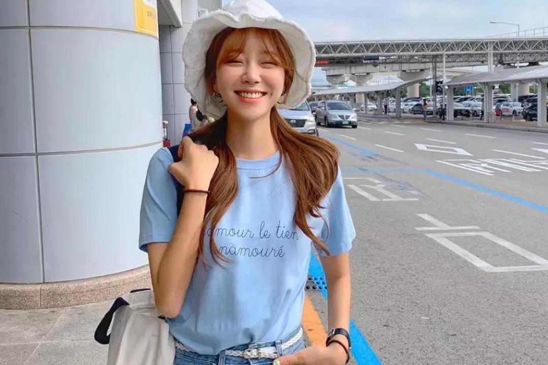 T恤 + 仙女裙,T恤 + 瘦瘦裤,春夏正流行!
