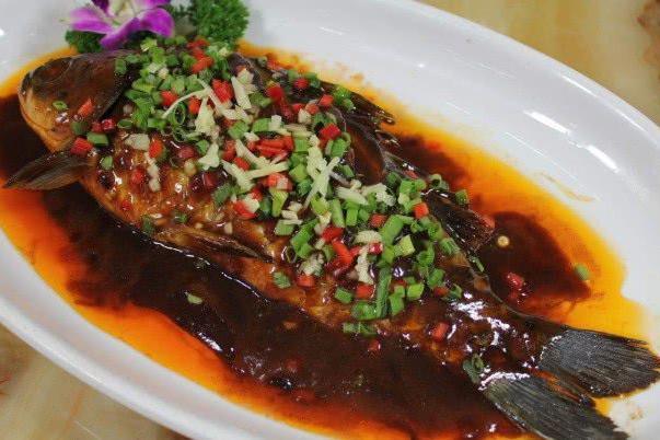 鱼时用上这几个技巧,鱼肉不腥,味道更好吃