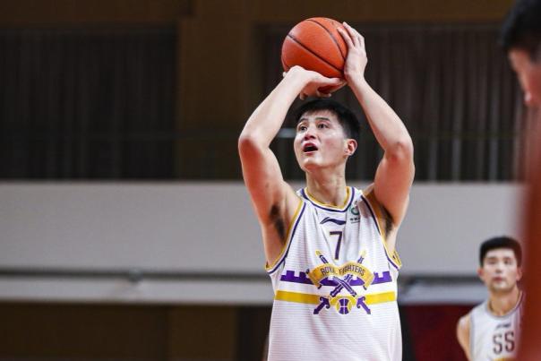 单场19篮板创职业生涯新高,俞长栋在北控队证明自己