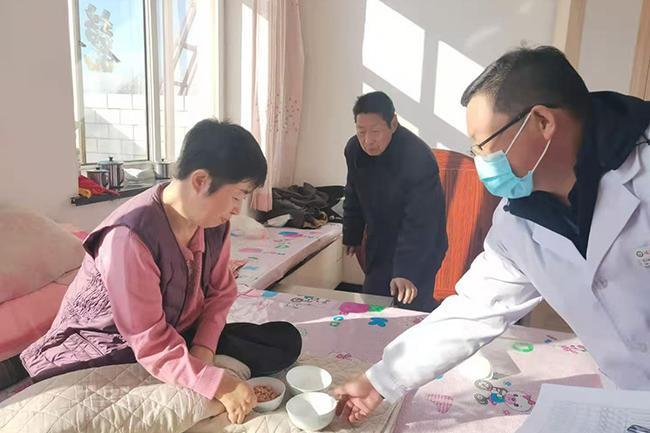 迁安市中医医院医共体彭店子乡卫生院为村民免费康复服务