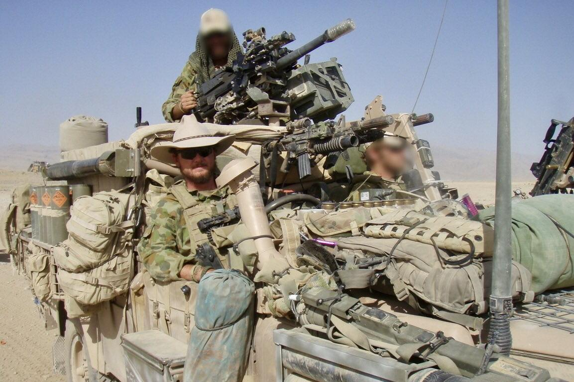 """澳特种兵拿战死塔利班假肢当""""酒杯"""",在阿富汗战场玩得""""高级"""""""