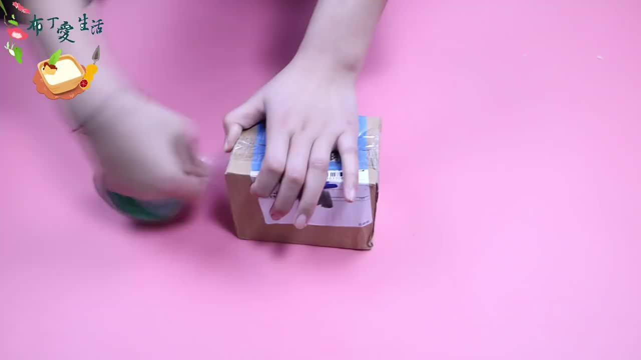 断胶带没有工具?教你一绝招,两根手指就能断胶带!方法简单易学