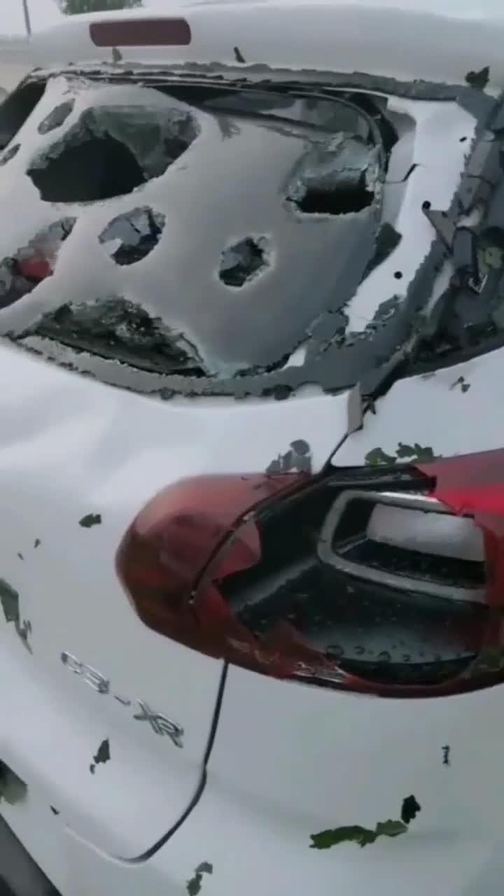 刚买没几天就遭遇保定冰雹,老天这是逼我换车了