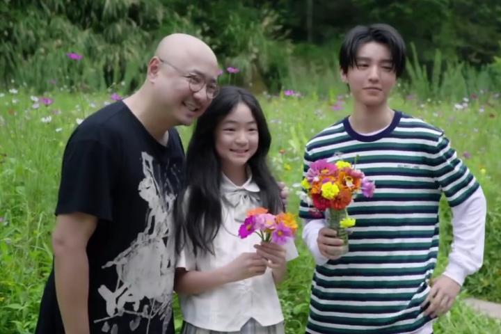 11岁的陶虹女儿现身徐峥新戏现场,与王俊凯搭戏,大显少女追星心