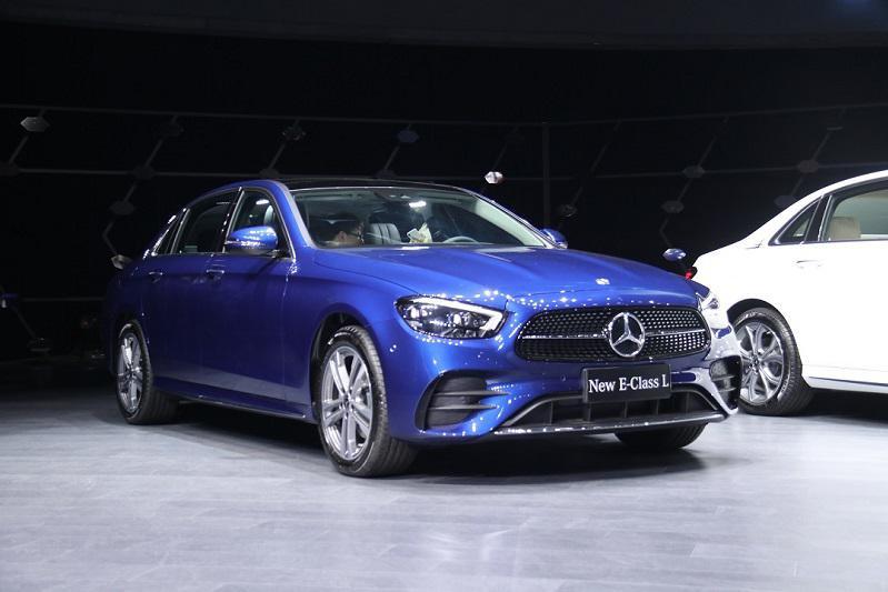 全新家族设计 新一代梅赛德斯-奔驰长轴距E级上市 43.08万元起售